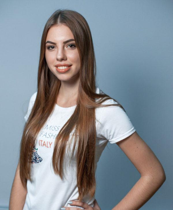 5676-girl-miss-fashion-italy-international-models-fashionshow